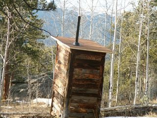 Outhouse 12-1-09 005 (2)